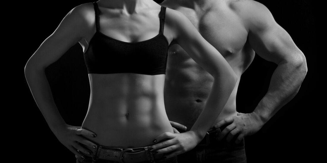 AL-Illu-Training-Frau-und-Mann-mit-Muskeln-sw-Shutterstock