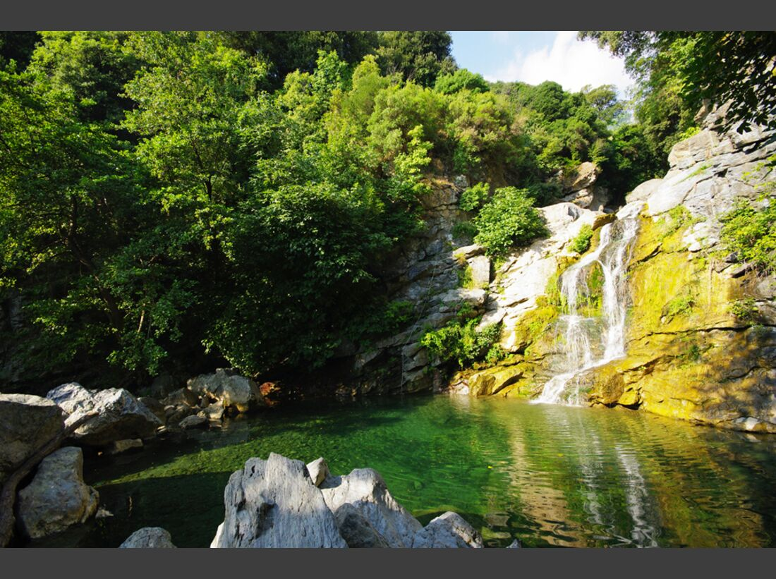 OD-Korsika-0313-Wasserfall_BenslimanHassan_Dreamstime (jpg)