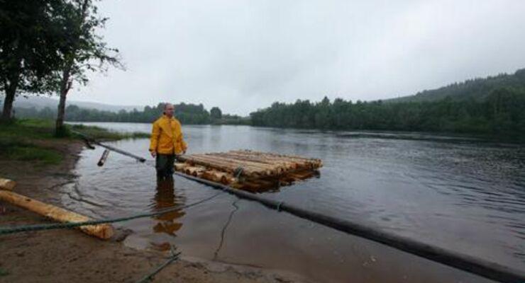 Outdoor-Know-How: Das eigene Floß bauen