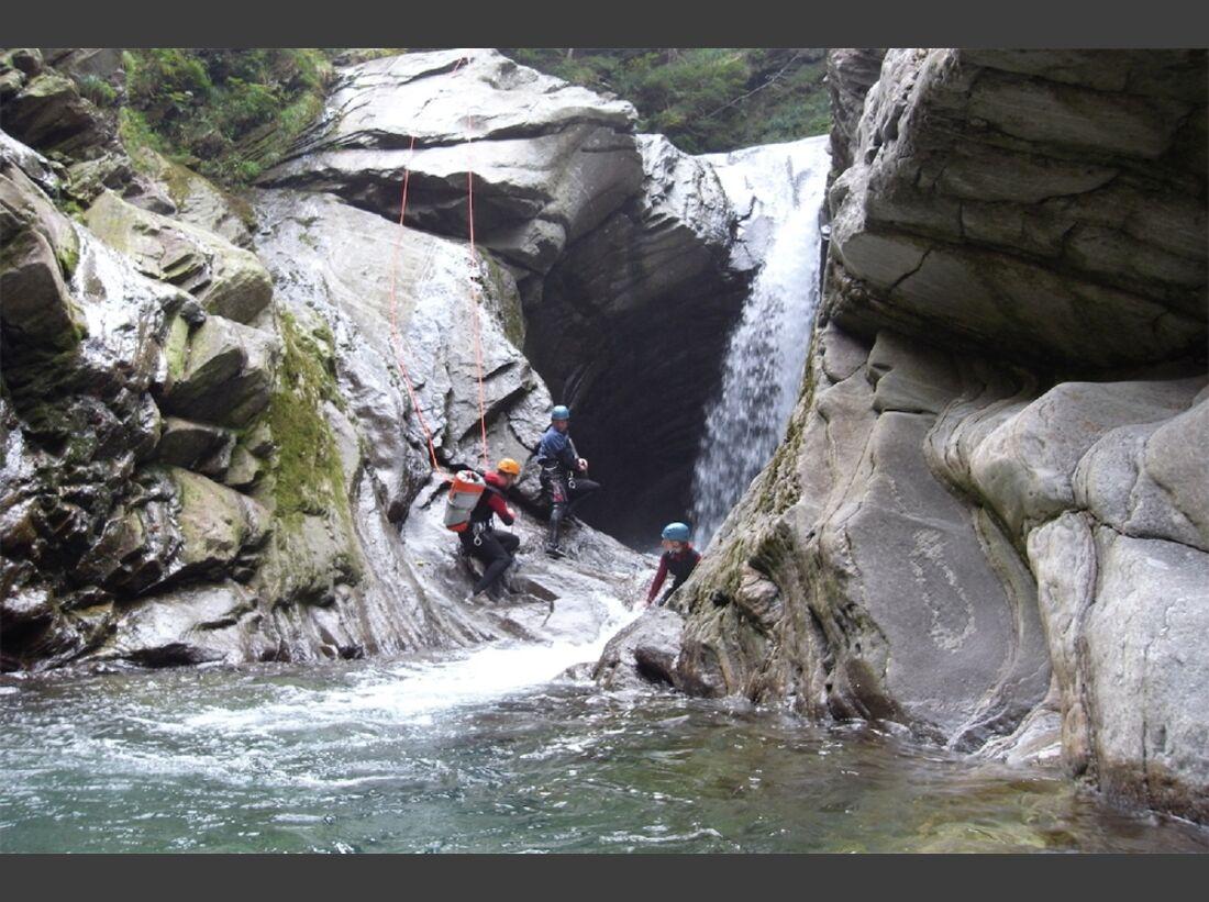 od-2015-canyoning-bergwasser-3 (jpg)