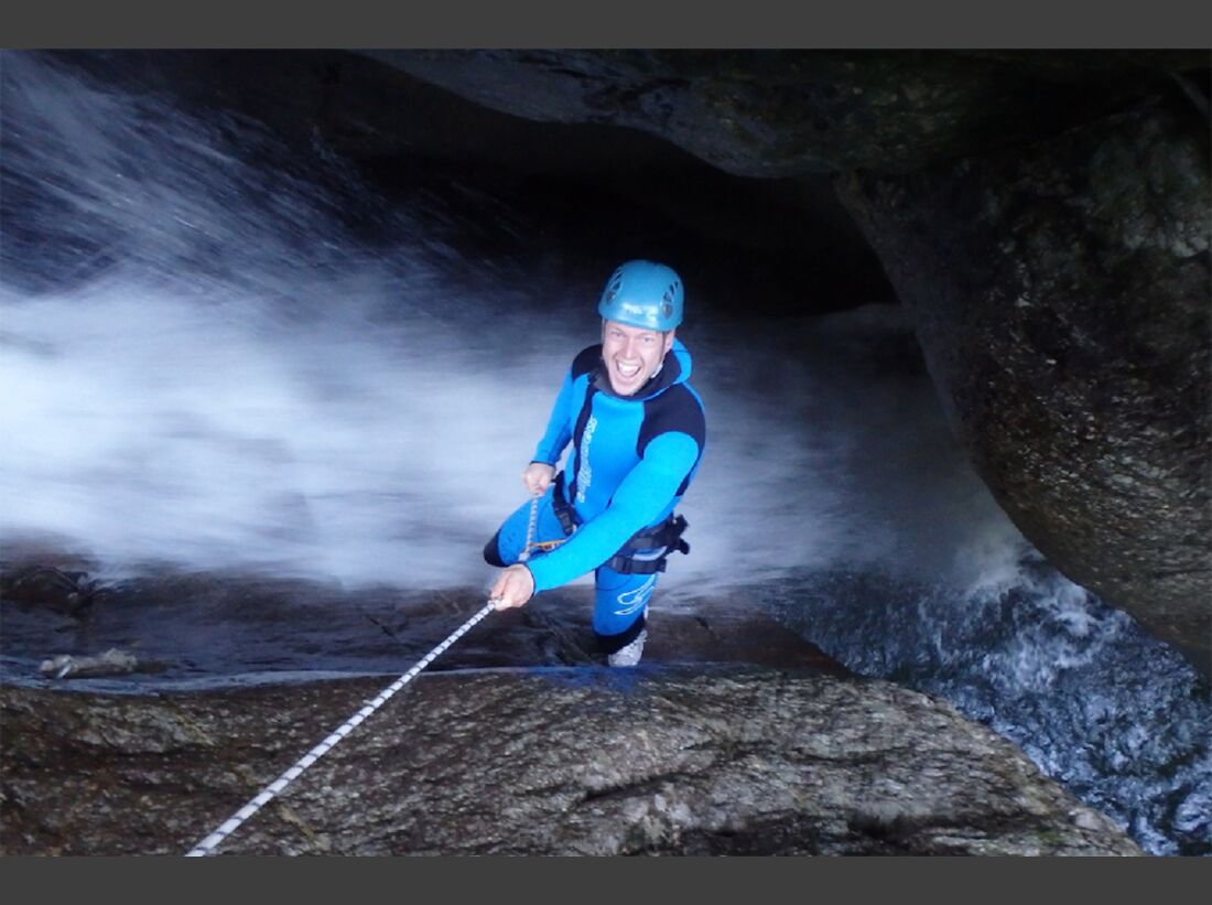 od-2015-canyoning-bergwasser-4 (jpg)